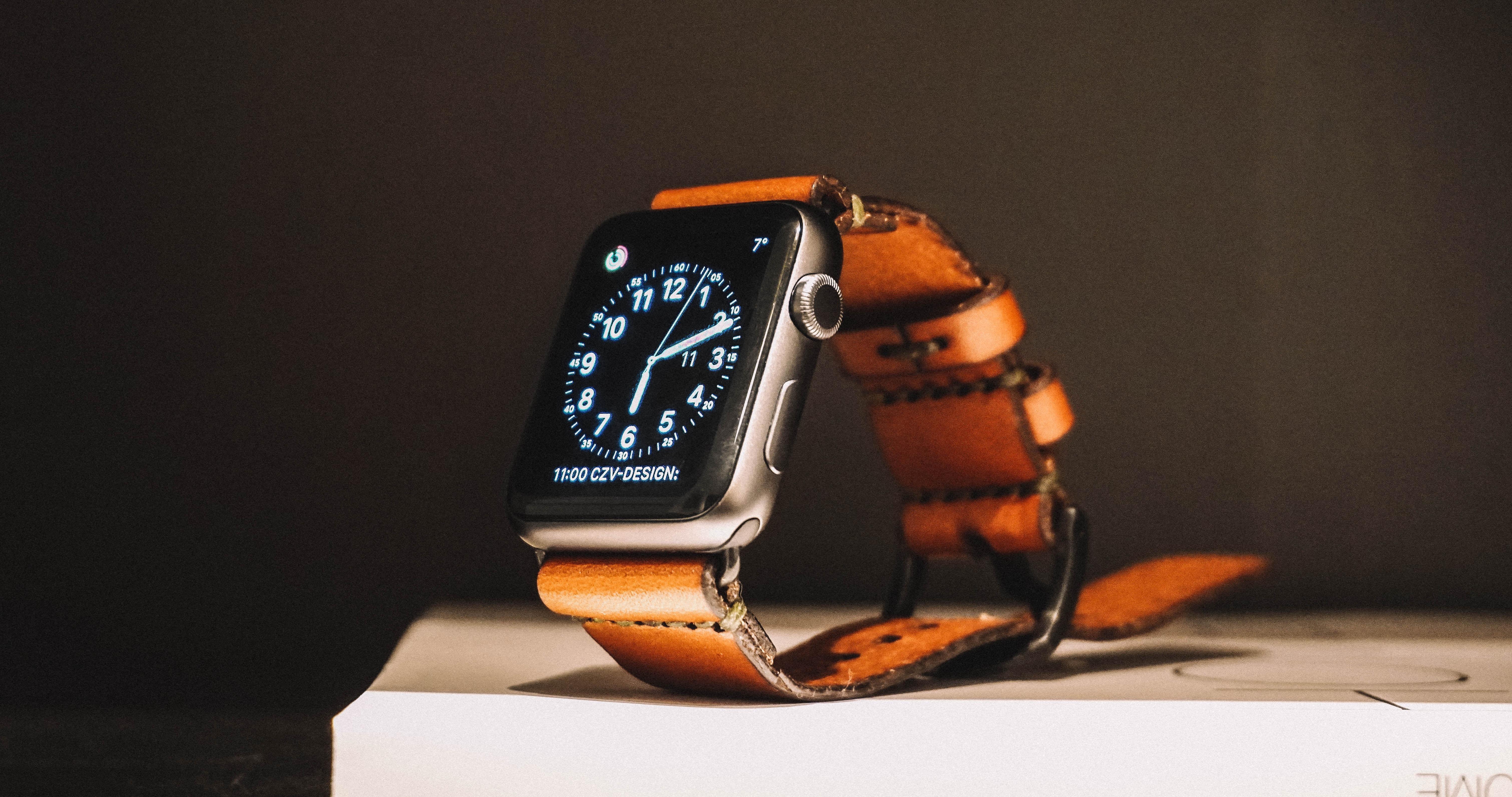jens-kreuter-digital-watch-unsplash